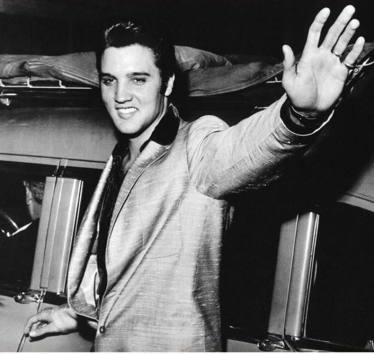 Elvis Presley: Se implinesc 35 ani de la moartea lui!