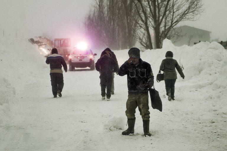 Drumuri nationale inchise si 75 de localitati din Moldova fara curent electric!