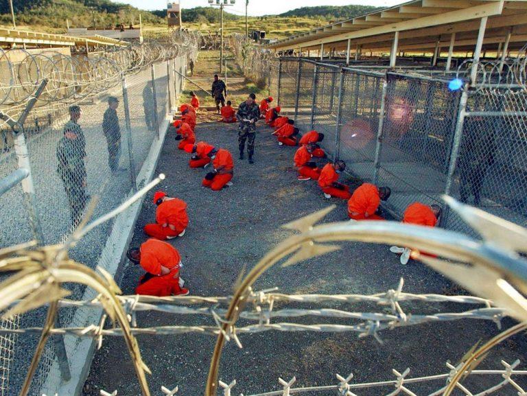 REVOLTA la inchisoarea Guantanamo! Autoritatile au tras cu gloante de cauciuc!