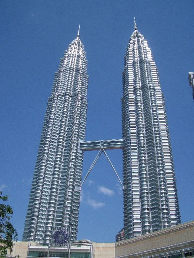 1Petronas Towers