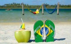 Salut de pe plaja din Brazilia! Ne transmite milionarul care mituia directorii CFR