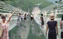 Avatar intra in circuitul turistic! Chinezii construiesc cel mai lung si mai inalt POD DE STICLA din lume!