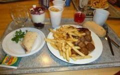 Dezvaluirile unui angajat despre secretul chiftelutelor ifetine si al hotdog-ului de 1 leu de la IKEA!