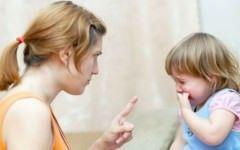 Specialistii avertizeaza! Greselile pe care parintii le fac atunci cand isi pedepsesc copiii