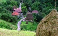 Catunul din Romania care este o comoara turistica!