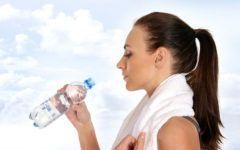 Ce nu ti-a spus nimeni despre apa! Vezi cate afectiuni poti trata cu cel mai important element al vietii
