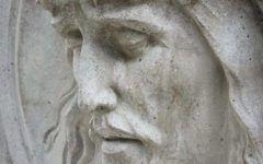 Semn divin! Ce s-a intamplat cu statuia lui Iisus in timpul slujbei! Credinciosii au ramas muti!Video